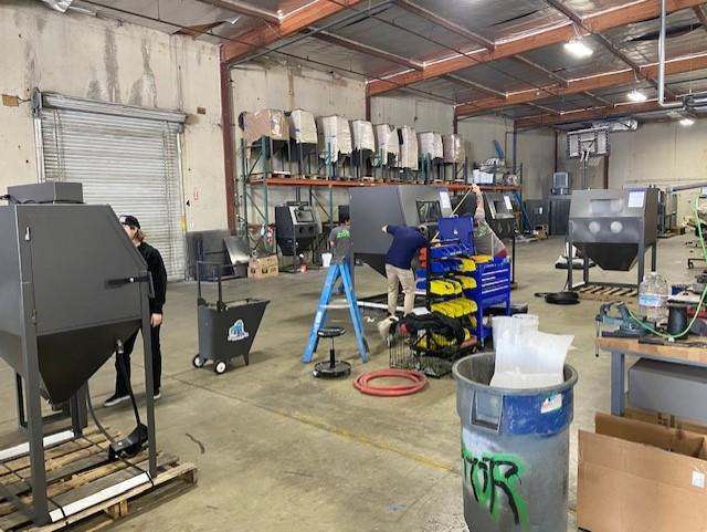 blast cabinets and sandblasting supplies